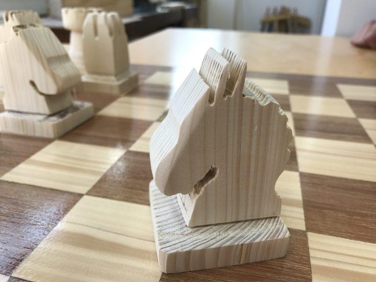 Schachfigur aus der Holzbearbeitung